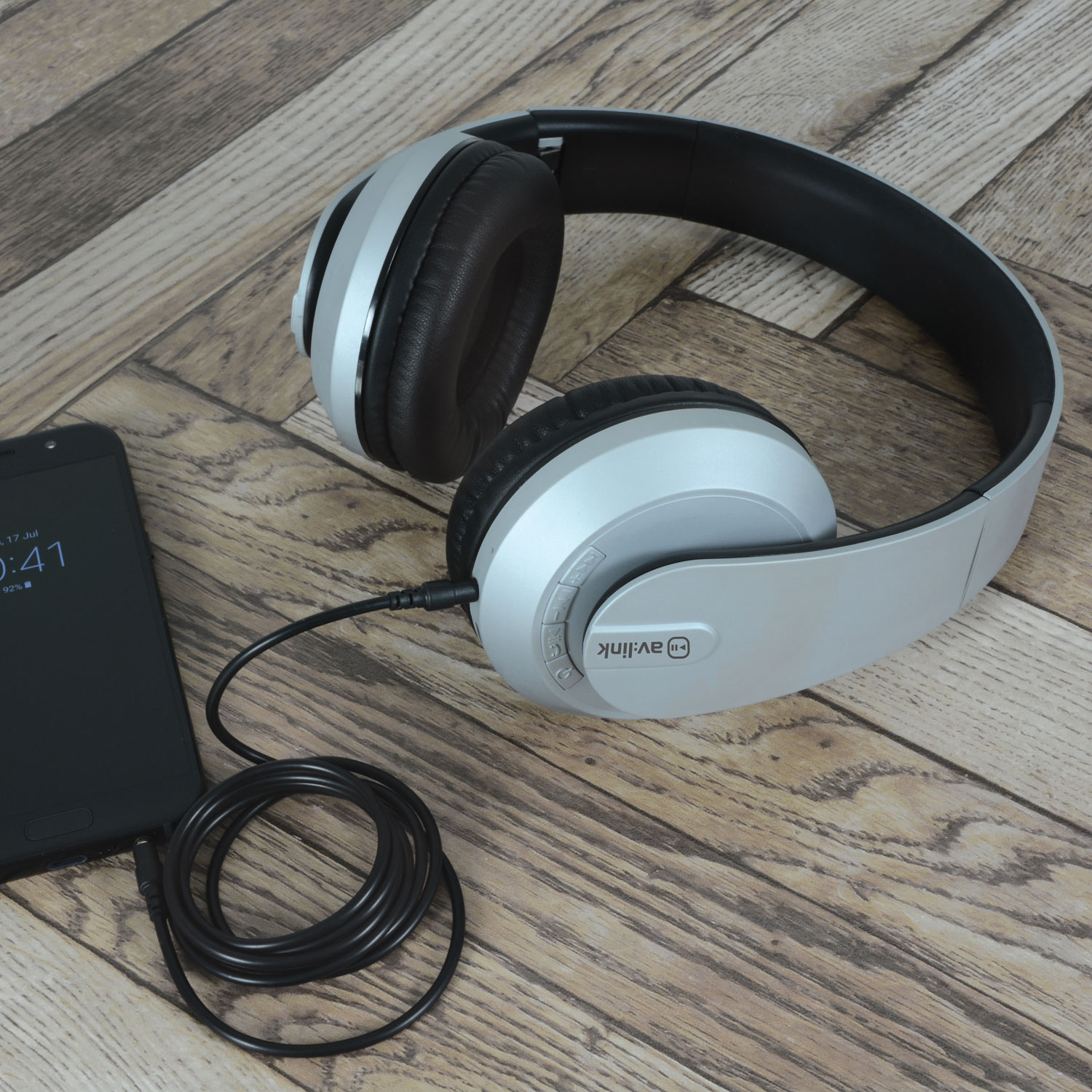 SFBH1-SLV silver satin finish Bluetooth headphones with dynamic bass